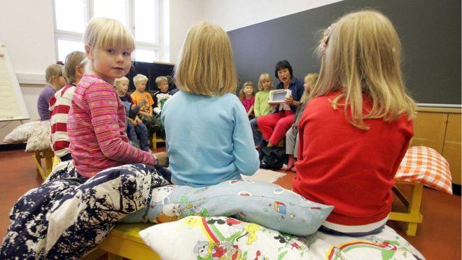 """การศึกษาฟินแลนด์: """"ยิ่งประเทศมีความเสมอภาคมากเท่าใด ประชากรก็ยิ่งมีการศึกษา และสุขภาพจิตดีมากขึ้น"""""""