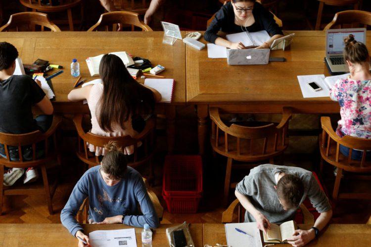 มหาวิทยาลัย 190 แห่ง เพิ่งเปิดหลักสูตรออนไลน์ฟรีกว่า 600 หลักสูตร