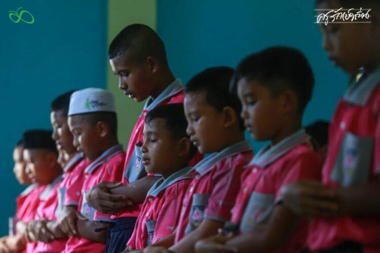 """ความยากจนด้อยโอกาสของเด็กๆ """"น่ากลัวยิ่งกว่า"""" ความไม่สงบใน 3 จังหวัดชายแดนใต้"""