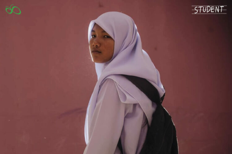 เดินทางไปเรียน 60 กม. / วัน ความฝันของเด็กสาวผู้มีหัวใจรักการเรียน